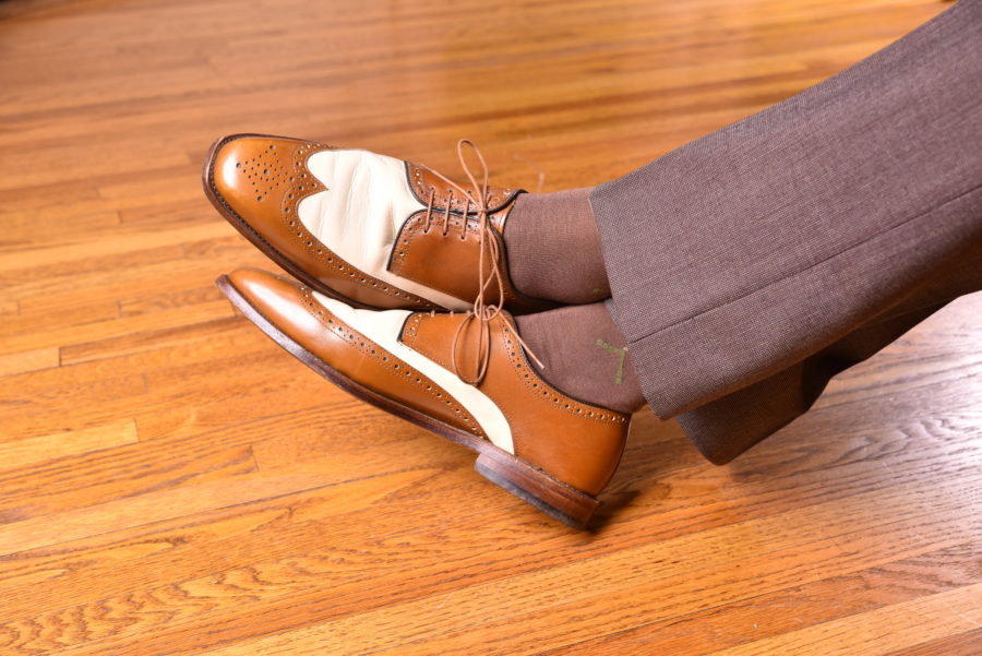 wingtip-spectator-derby-shoes-with-Mid-Brown-Socks-with-Green-and-Cream-Clocks-by-fort-belvedere-with-brown-trousers-iloveimg-converted-900x601.jpg