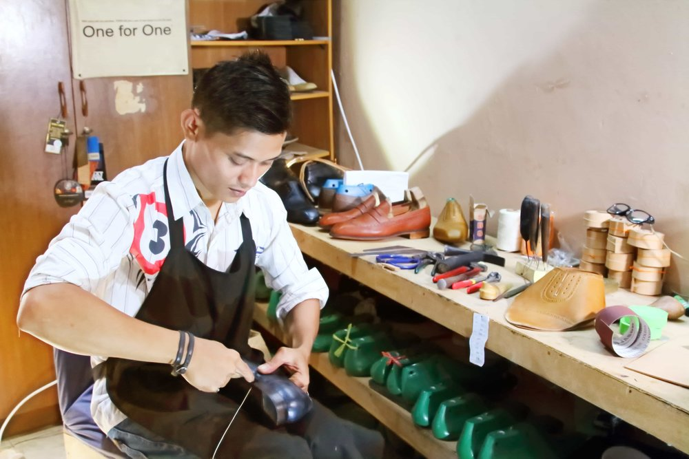 CustomMade's Workshop. We handstitched our shoes to give it durability