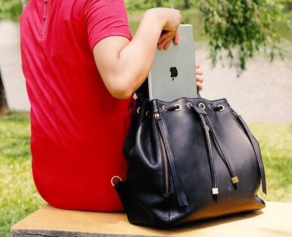 Backpack_Black_lifestyle_590x.jpeg