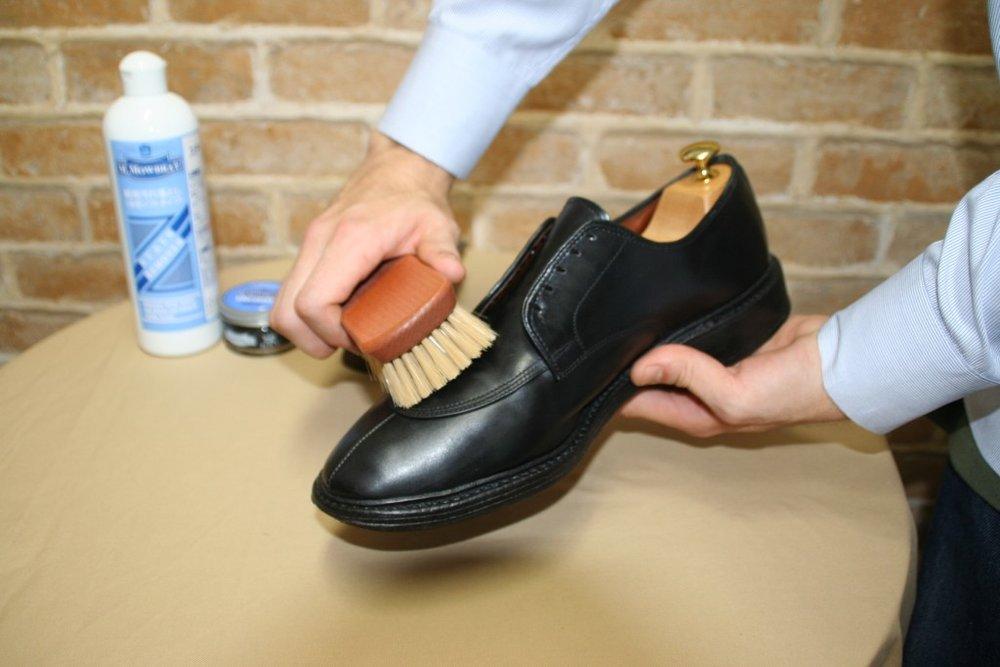 刷鞋(豬鬃或尼龍皆可)