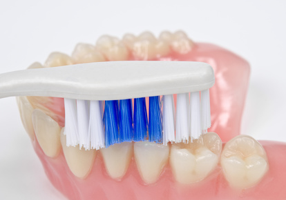 Cleaning Dentures Adelaide 5000