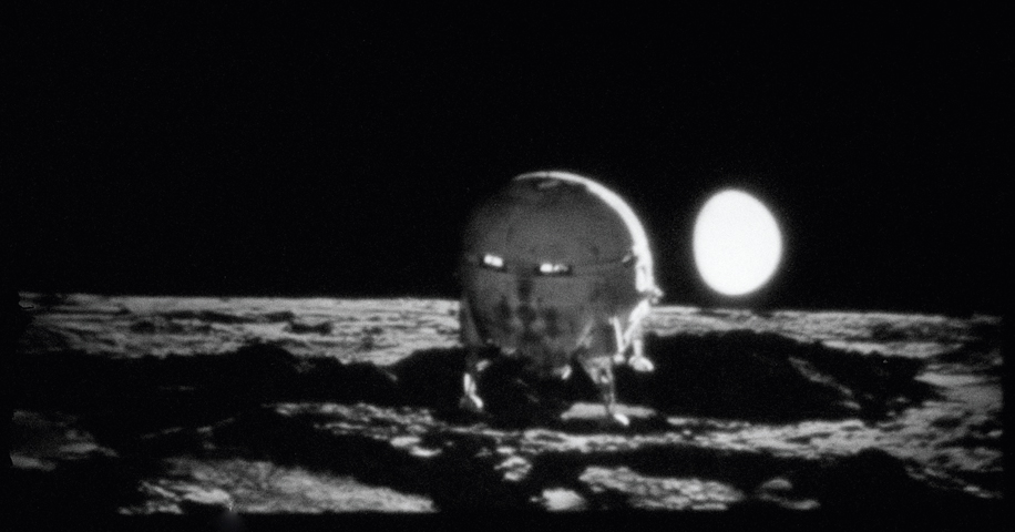 Dr. Heywood Floyds Reise zum Mond | fine art print | 52 x 100 cm