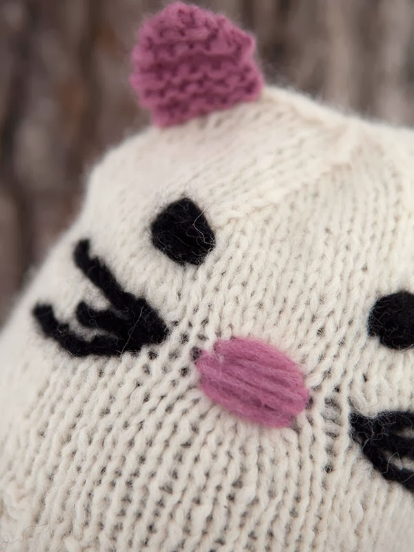 Knitting Pattern For Cat In The Hat : Catarina Cat Hat Free Knitting Pattern   Blog.NobleKnits