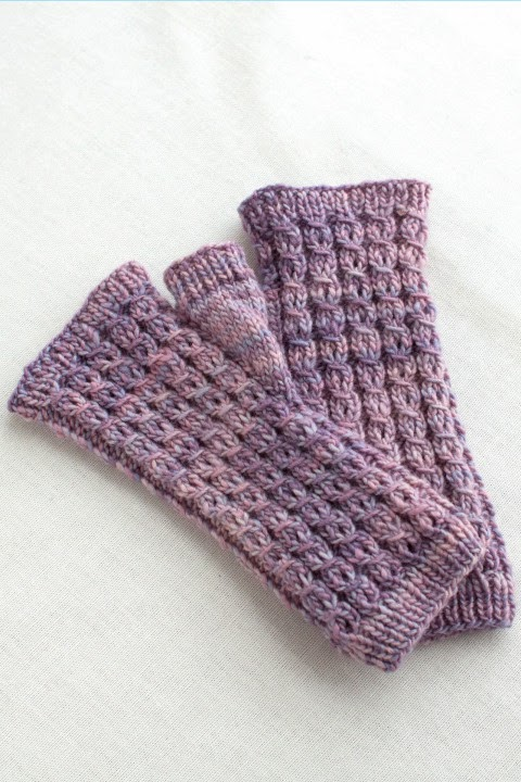 Martine Mitts Free Knitting Pattern