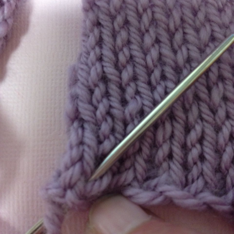 Knitting Edge Stitch For Seaming : Knitting how to join seams with mattress stitch —