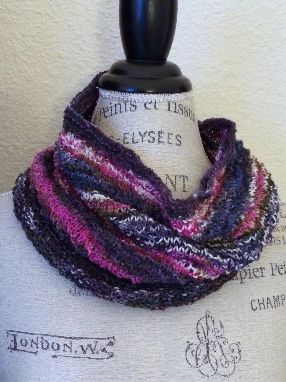 Wunder Cowl Free Knitting Pattern