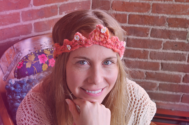 Daisy Chain Crochet Crown Free Pattern