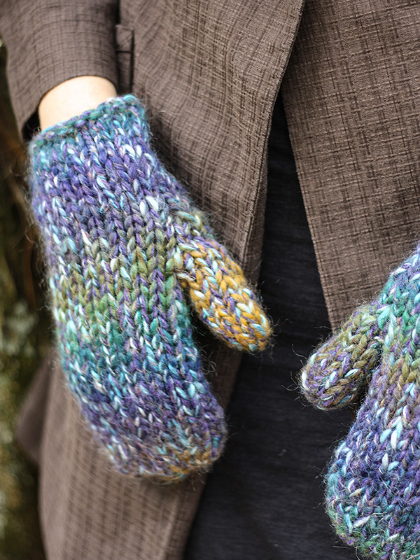 Grace Mittens Free Knitting Pattern - One skein project!
