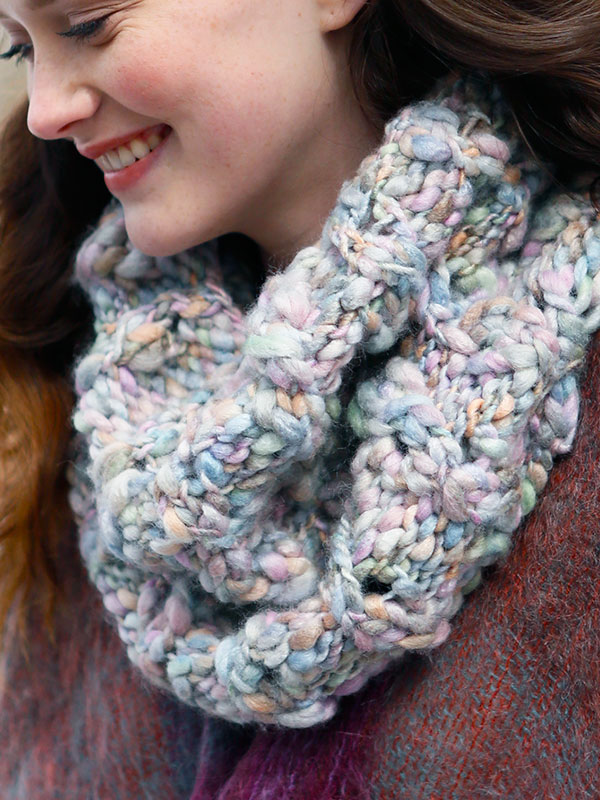 Knitting Patterns For Thin Yarn : Juniper Cowl Free Knitting Pattern   Blog.NobleKnits