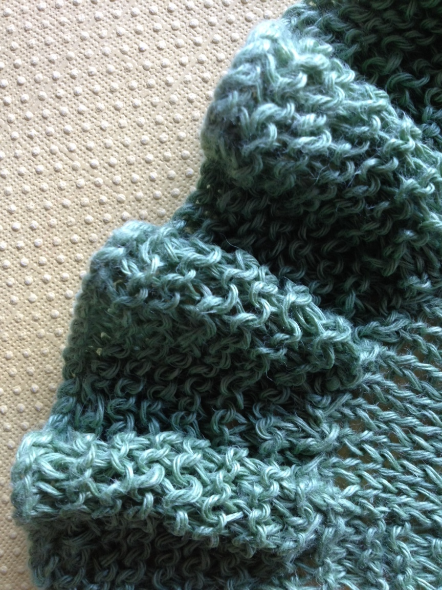 Stitch and ruffle detail of Fibra Natura Flax Yarn