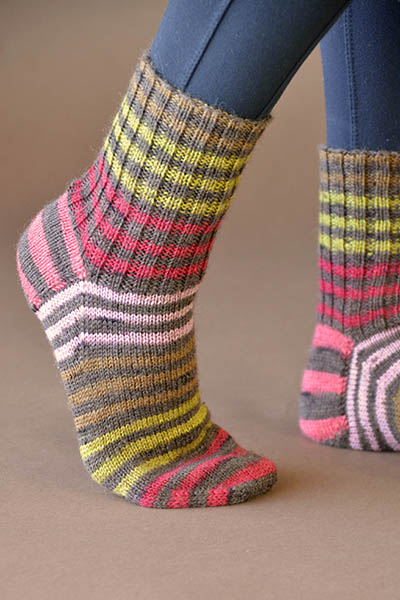 Knitting Patterns Footie Socks : Footie Socks Free Knitting Pattern   Blog.NobleKnits
