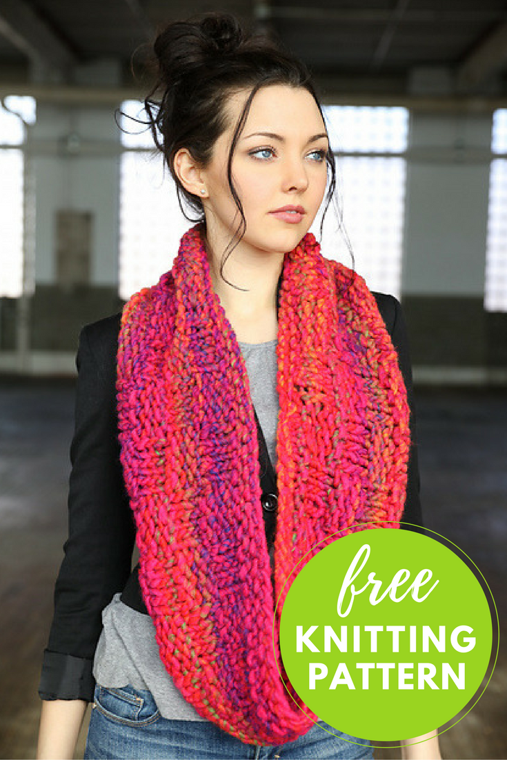 Free Cowl Knitting Pattern: Easy Basket Weave Cowl!