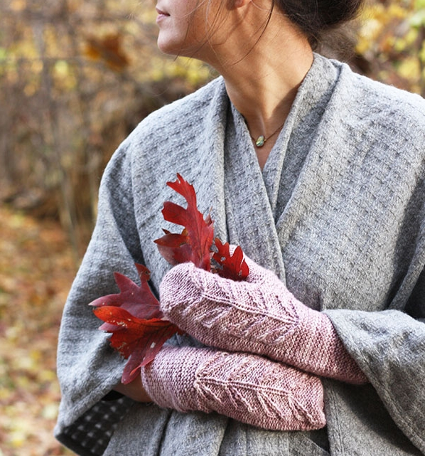 Lyra Mitts Free Knitting Pattern