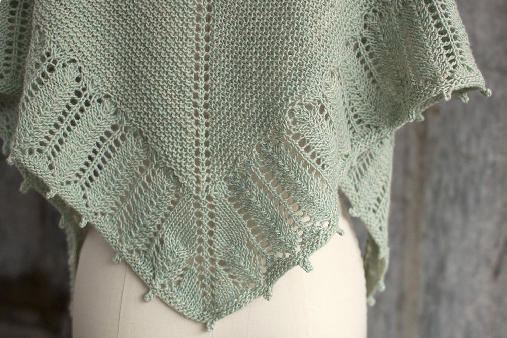 Garter and Lace Shawlette Free Pattern