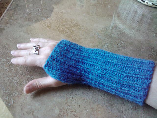 1x1 Ribbed Wrist Warmers Free Knitting Pattern