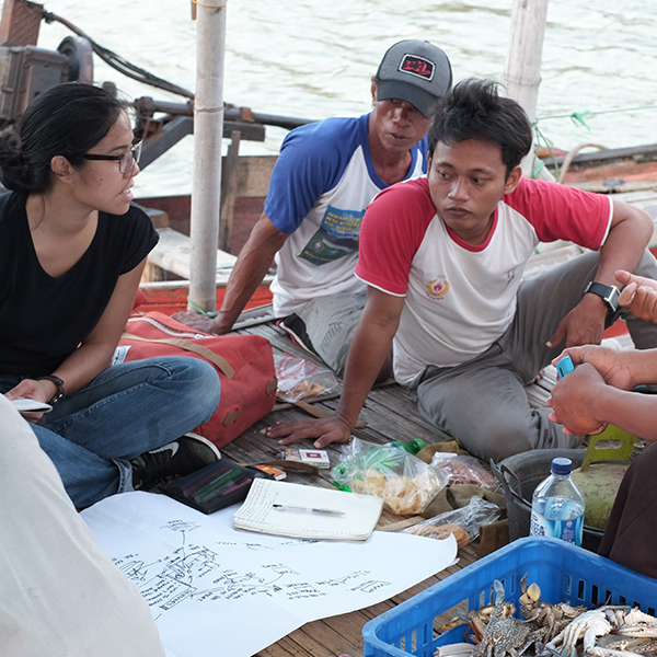 Elyse explores the ins and outs of artisanal fisheries on a boat in Indonesia.