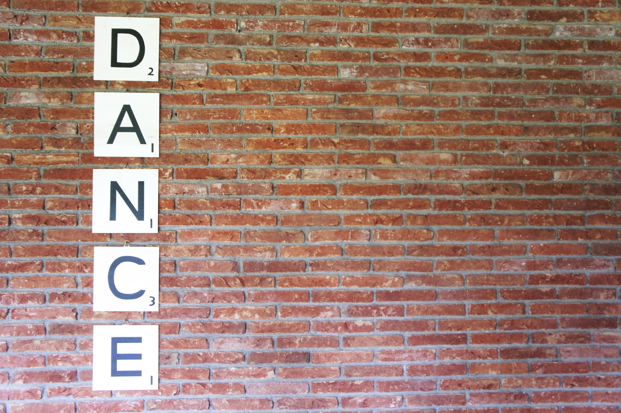 DIY Scrabble Wall Art — Anuschka Rees