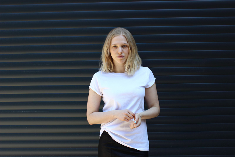 white-black Simple Dressing: 6 Pieces and 9 Outfits