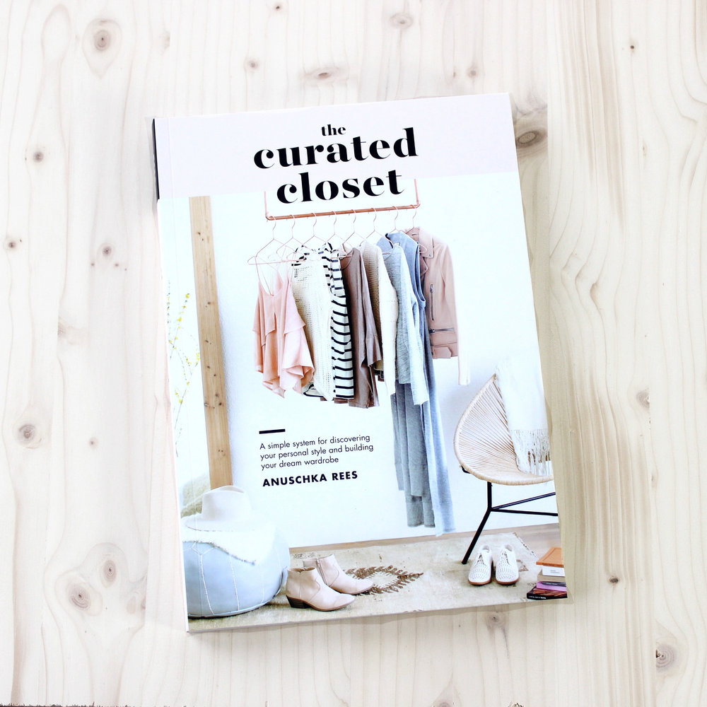 The Curated Closet |  Gift Guide: 12 Thoughtful books about style, ethical fashion and building a better, simpler wardrobe |  into-mind.com