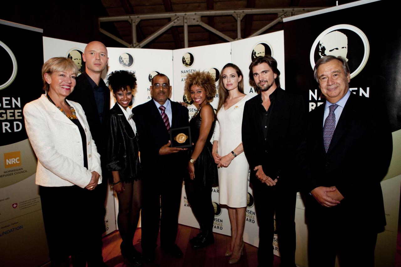 Us in Switzerland with Angelina Jolie, @Juanes , High Commissioner Guterres, 2011 Nansen award winner Nasser Salim Ali Al-Hamairy Said (SHS),   Sivert Høyem,  Elisabeth Rasmussen. #Nansen2011       xoxo @faarrow