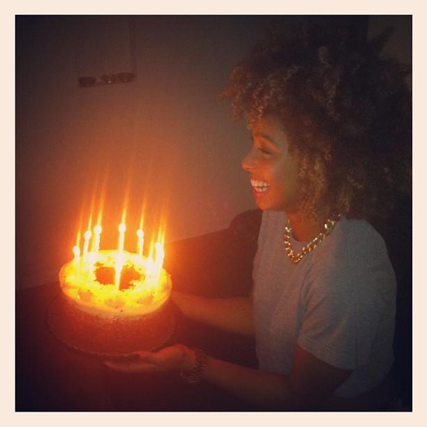 HAPPY BIRTHDAY IMAN!!! 👑🎂🎉🎁👯💋 with @itstheCharlies #redvelvet #cake #happybirthday (Taken with Instagram)