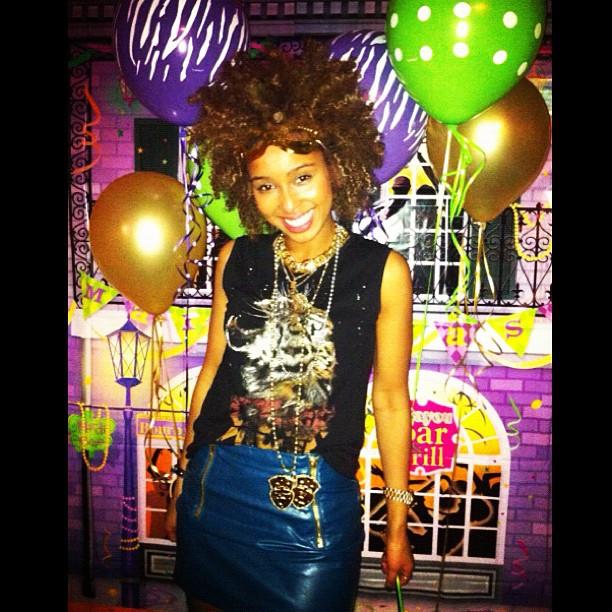 🎉🎉 Mardi Gras themed Birthday party.. Lol HBD @melodyannjones #HBD #Faarrow #Iman #curlyhair #curlygirl #Mardigras #naturalhair