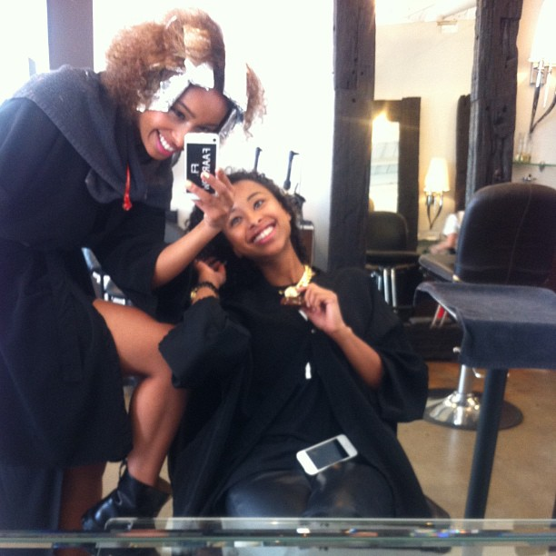 Getting our hair Cut and colored @warrentricomi Hair Salon Ask for Tanya!! She knows all about Curls!! 💇💋👑😚 #faarrow