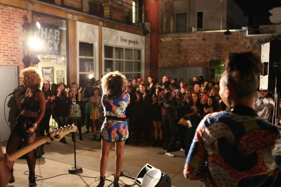URBAN OUTFITTERS BLOG: Della x Faarrow Closing Event  + Performance for the U.O Pop-Up Bazaaaar