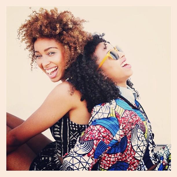 ✌👑 @dellalosangeles #faarrow #Dellaclothing #sistersister 💋💋 (at WORLD POP)