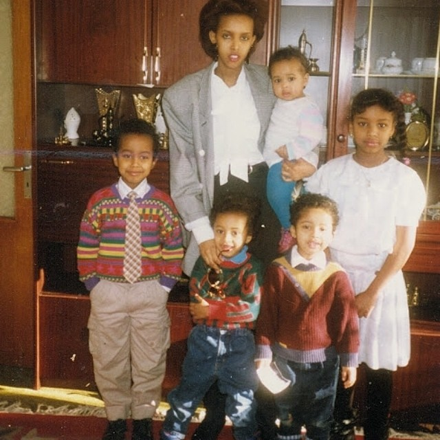 #nationalsiblingday ❤️Who the heck was dressing us?? 📷 #90s @mohashi killin it @_idman @ilhamhashi #faarrow 😂😂 #germany #somalikids
