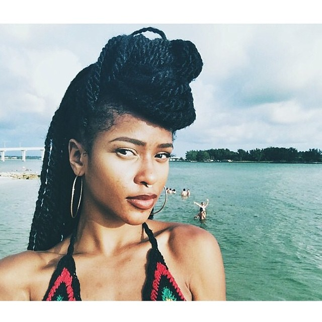 R.I.P Simone Battle. You were an amazing singer/songwriter. We're happy to have known such a bright star in this industry. Praying for her family and loved ones at this difficult and sad time. #gonetoosoon #simonebattle 🙏