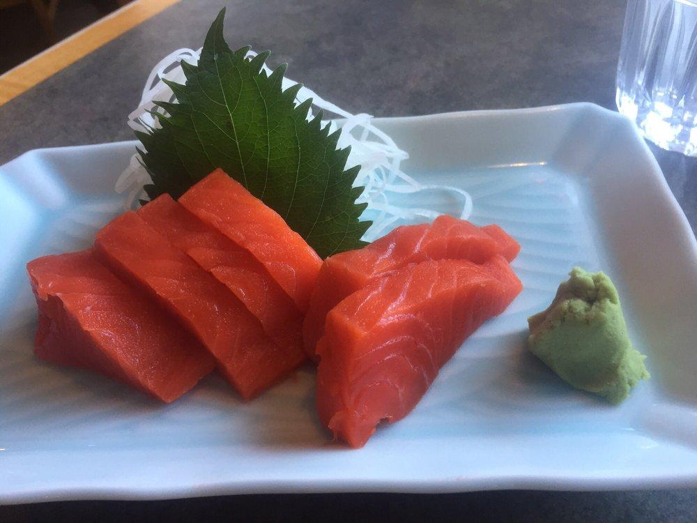 kaze+salmon+sashimi1.jpg