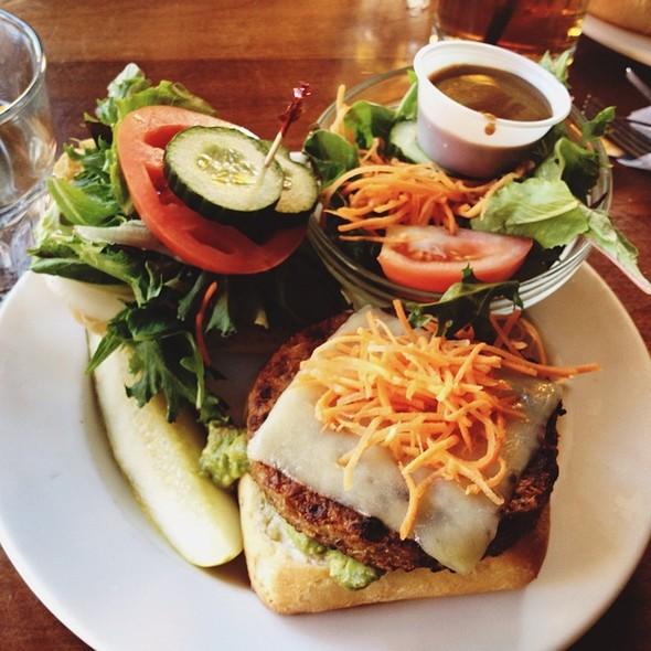 longhorn+veggie+club2.jpg