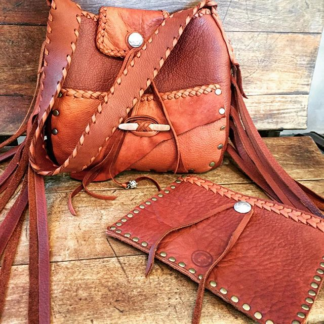 It's my intention that all those who carry a Gscout , carry the feeling we infuse into every creation ~ one of love , power , peace and gratitude .... this ones for you ~ for Colena ~ @colenashawn  #handmadeleatherbags  #hawai  #gscout #Vancouver #Maui @cheyennejagger  @coyotemoccasins  #carryafeeling #london  #sanfransisco  #nyc  #fashion #rawbeauty  #seaurchin