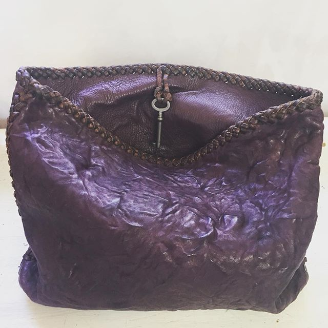 Yes.... Purple ... #gscout  #handmadeleatherbags #fashion  #italy  #london  #newdesigns  #chic #LonsdaleLeather #Vancouver  #antiqueskeletonkey  @cheyennejagger  @coyotemoccasins  #hawaii #oneofakind