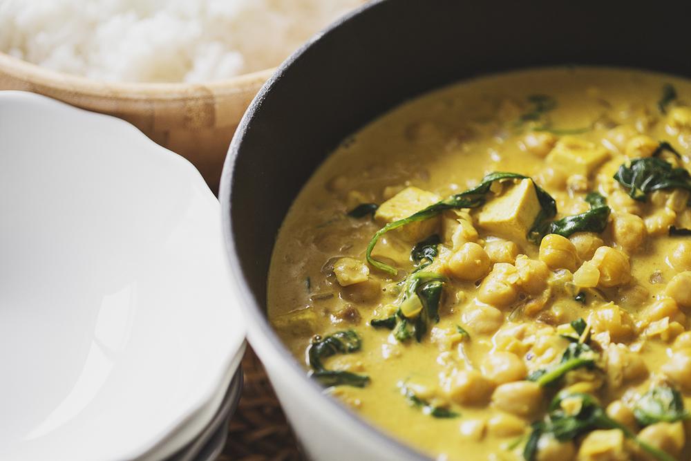 Receita Vegan de Caril de Grão, Tofu & Espinafres
