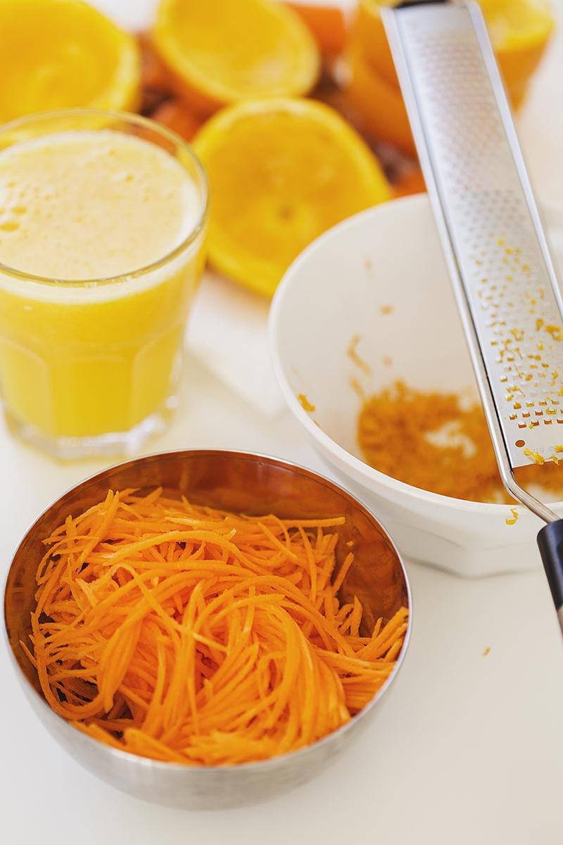 Muffins Saudáveis de Cenoura e Laranja com Topping de Nozes