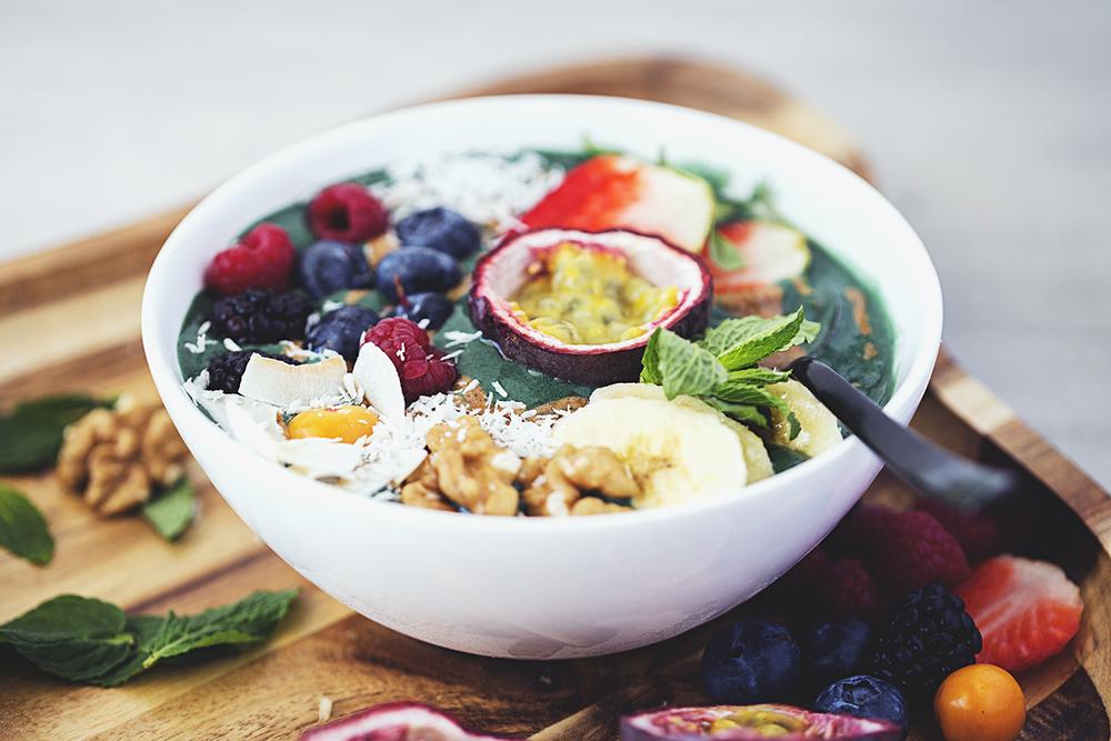 Whip de Banana & Spirulina, um Pequeno-Almoço Vegan e Saudável