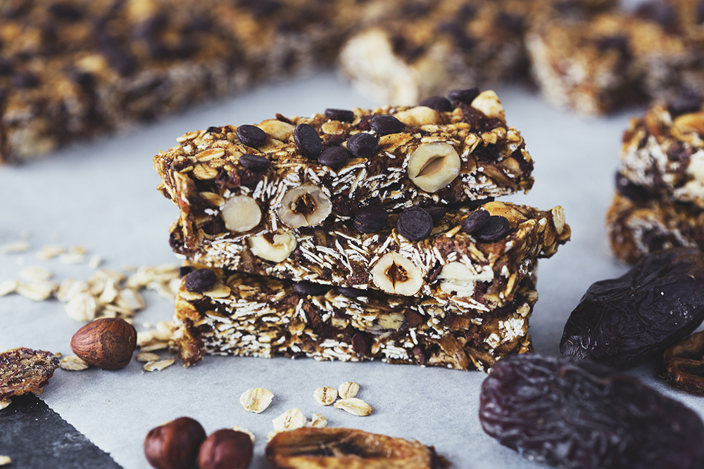 Healthy Vegan Hazelnut, Banana & Chocolate Chip Granola Bars