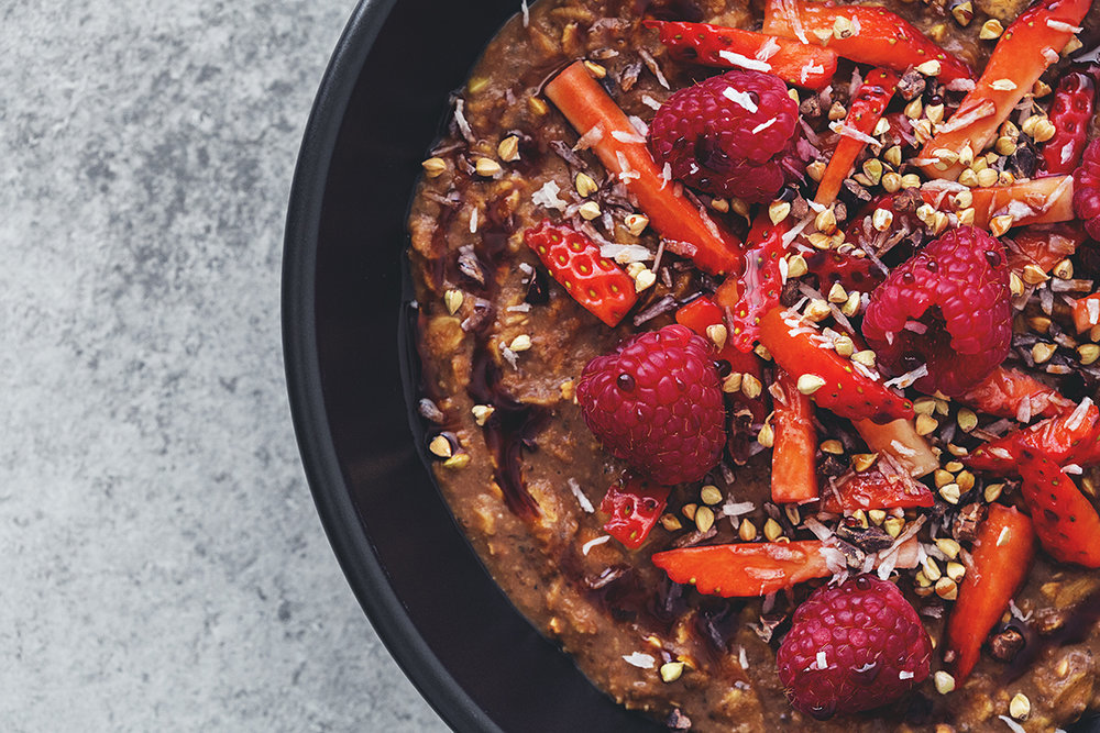 Energy Boosting Cacao Oatmeal, a healthy and vegan porridge recipe