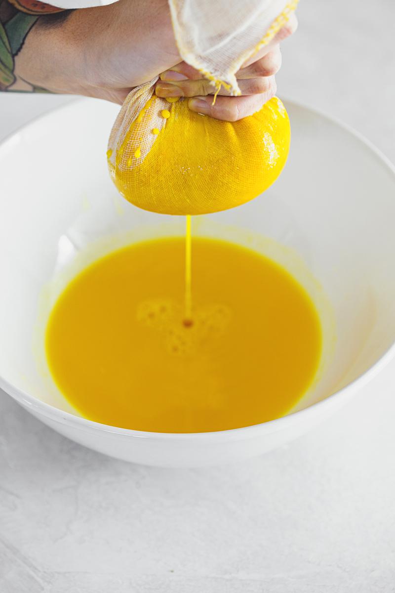 Receita Simples de Ibruprofeno natural e caseiro. Criáda em parceria com a The Body Shop Portugal.