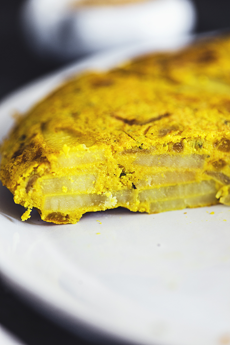 Quick and easy vegan recipe for a delicious Spanish Tortilla.