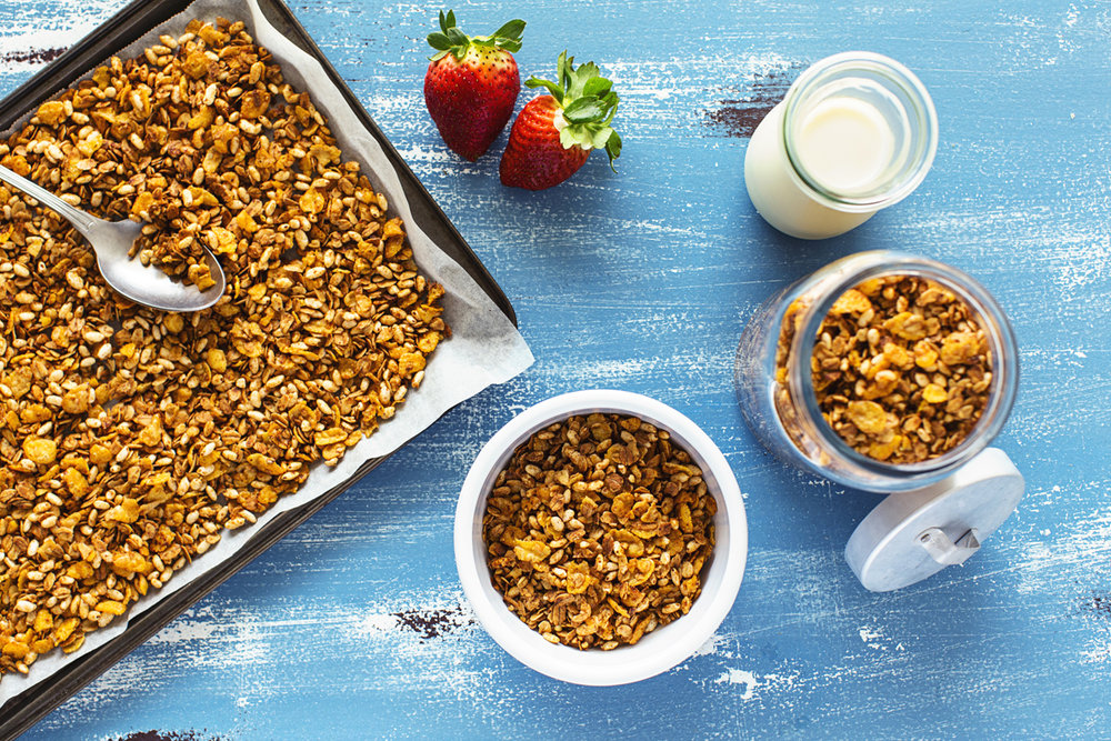 Super Crunchy Cornflake Granola recipe. Requires only 10 ingredients and 20 minutes and is also vegan, nut-free and gluten-free.