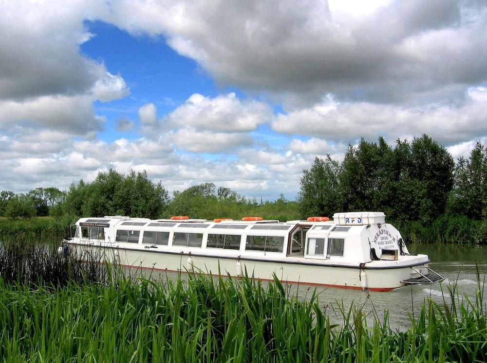 Oxfordshire School Trips Aboard Serafina II