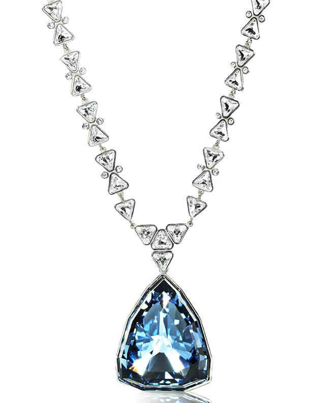 blue necklace1.jpg