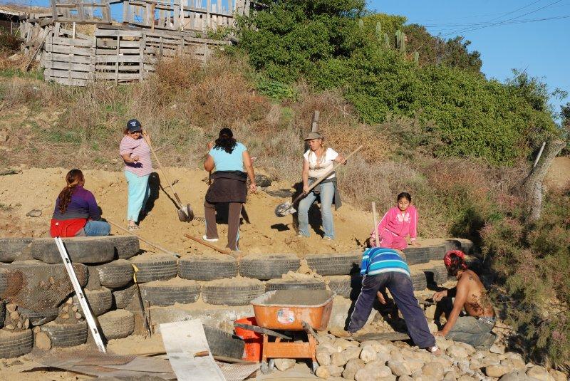 las hormaguitas sustainable architecture 4 walls international trash house tijuana 6.jpg