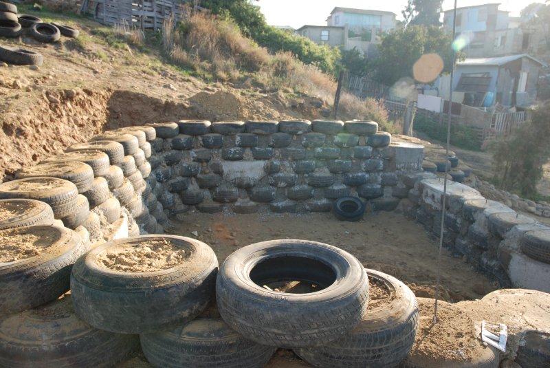 las hormaguitas sustainable architecture 4 walls international trash house tijuana 27.jpg