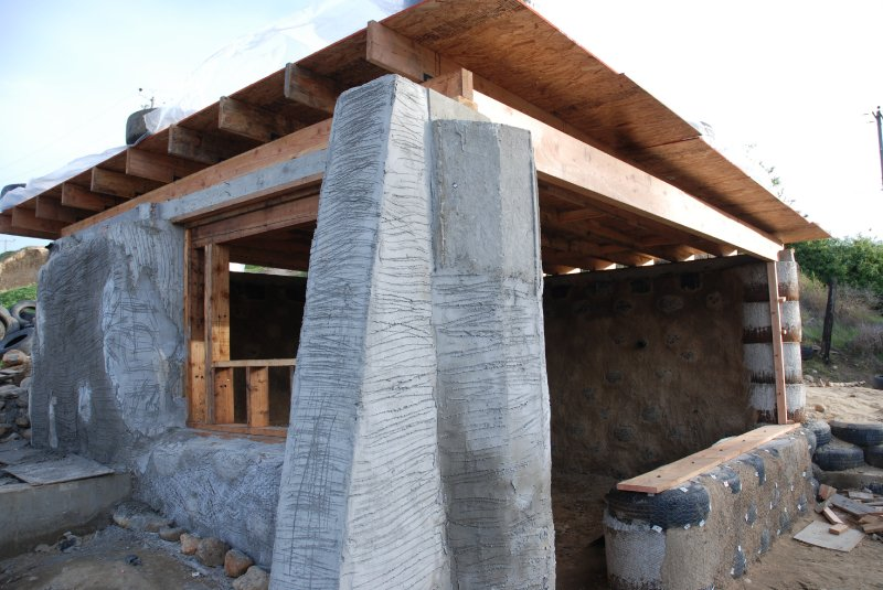 las hormaguitas sustainable architecture 4 walls international trash house tijuana 30.jpg