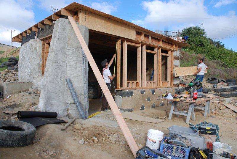 las hormaguitas sustainable architecture 4 walls international trash house tijuana 31.jpg