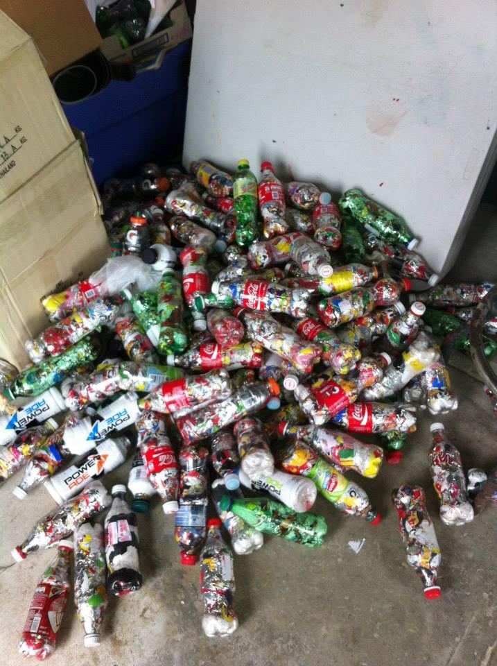 los sauces 4 walls park space trash sustainable contruction plastic bottle bricks.jpg